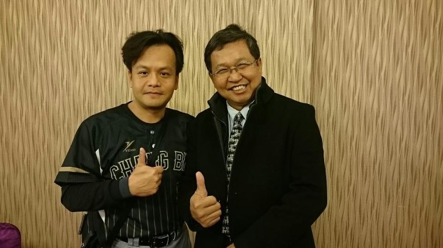 (左)長濱國小 嚴校長(右)長安國小 韓校長