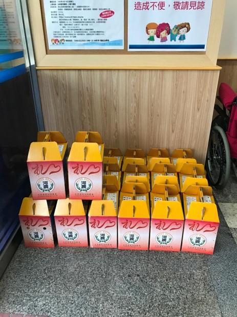 新鮮的香丁分批送往聖母醫院