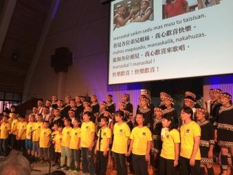 天籟合唱傳與原聲童聲合唱團一同獻唱拍手歌