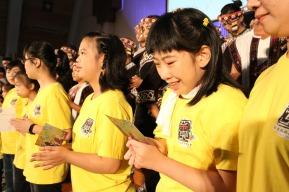 童聲合唱團贈送罕見天籟兒童樂團問後小卡