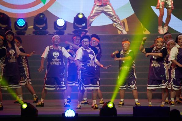 臺中市沙鹿區 六克拉舞團《 弘道老人福利基金會提供》